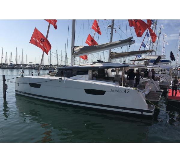 Fountaine Pajot Astrea 42 OCEAN RUNNER with AC and generator